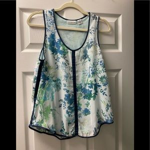 White blue and green tank with jean details
